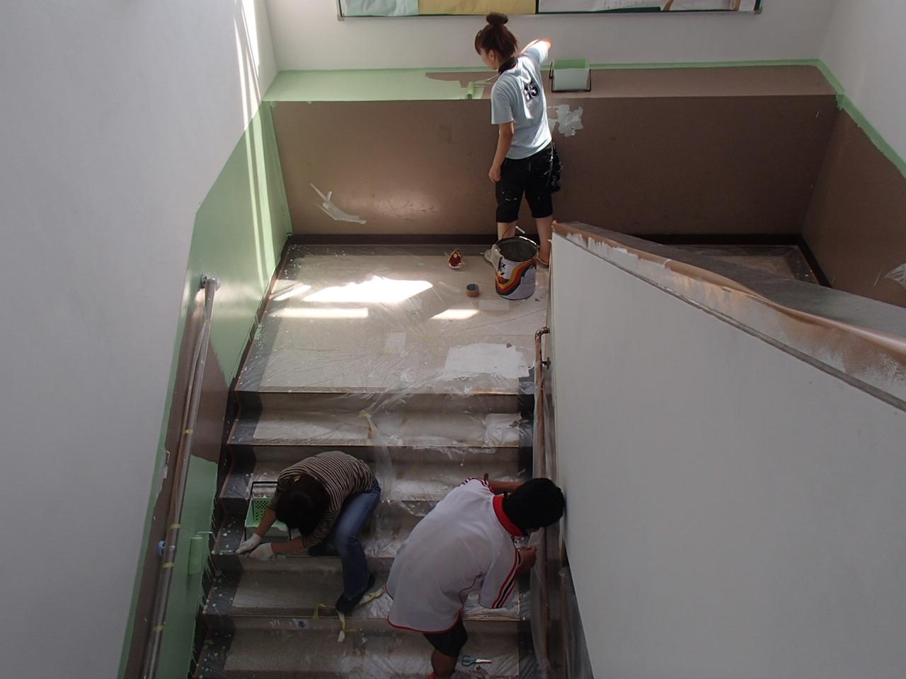 京都市西京区樫原小学校先生方と壁塗り替えの施工後写真その1