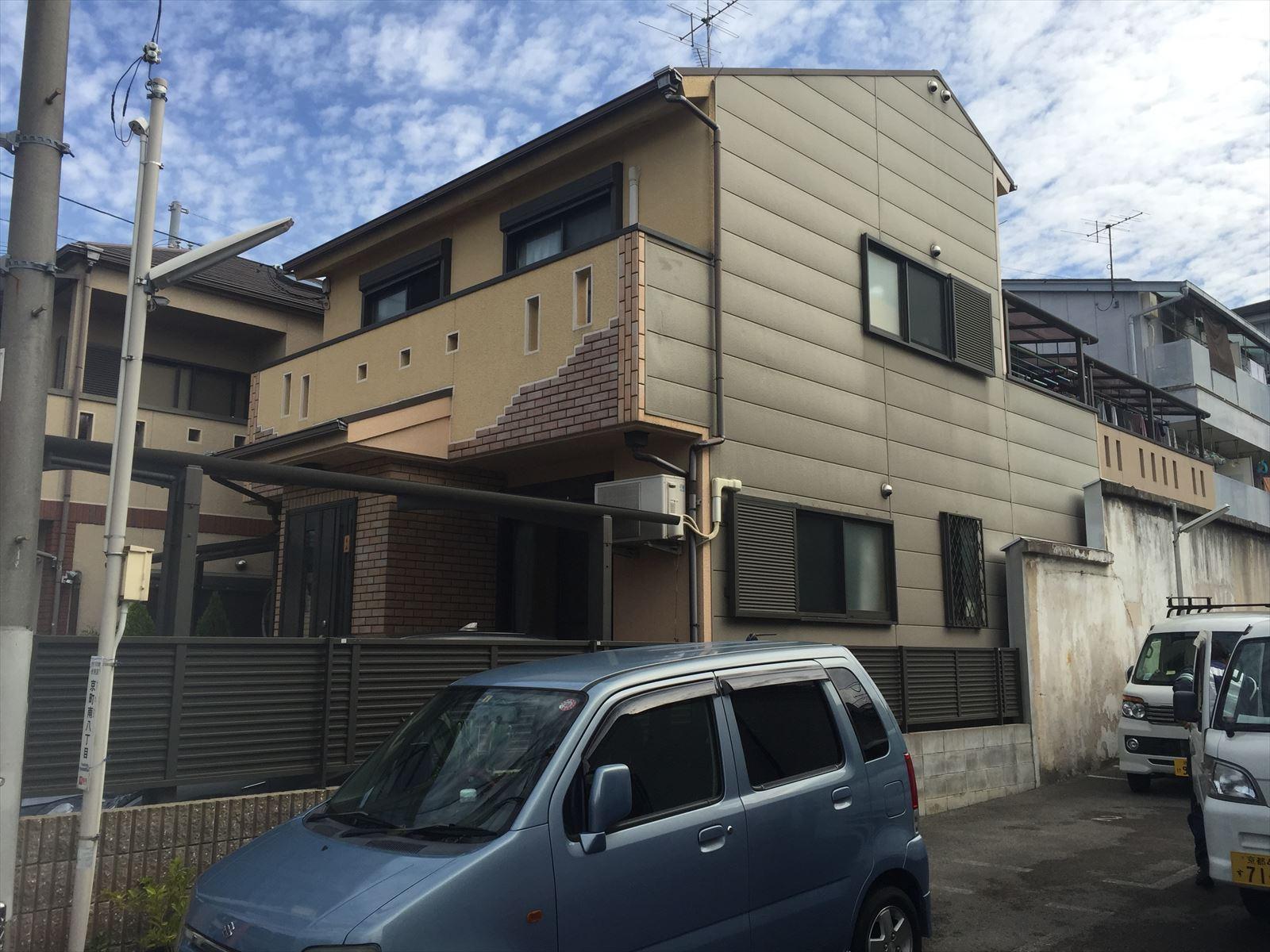 伏見区大山様邸外壁・屋根塗り替え工事の施工前写真その1