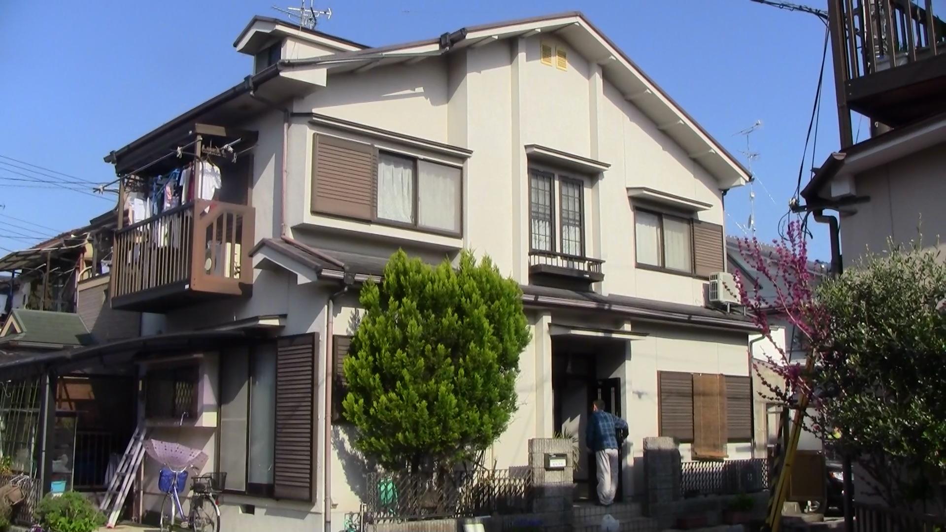 城陽市松井様邸外壁・屋根塗り替え工事の施工前写真その1