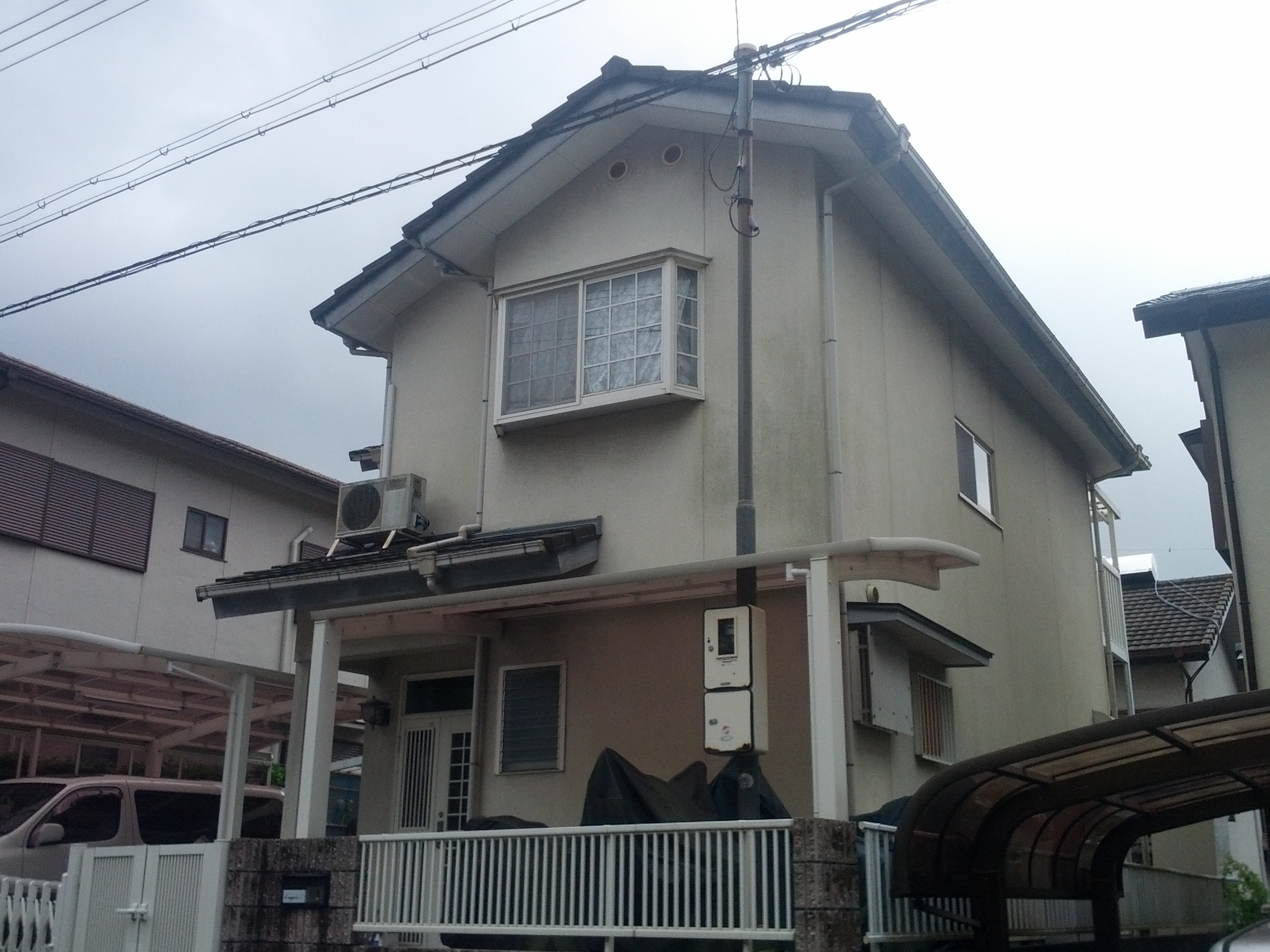 西京区宮越様邸外壁・屋根塗り替え工事の施工前写真その2