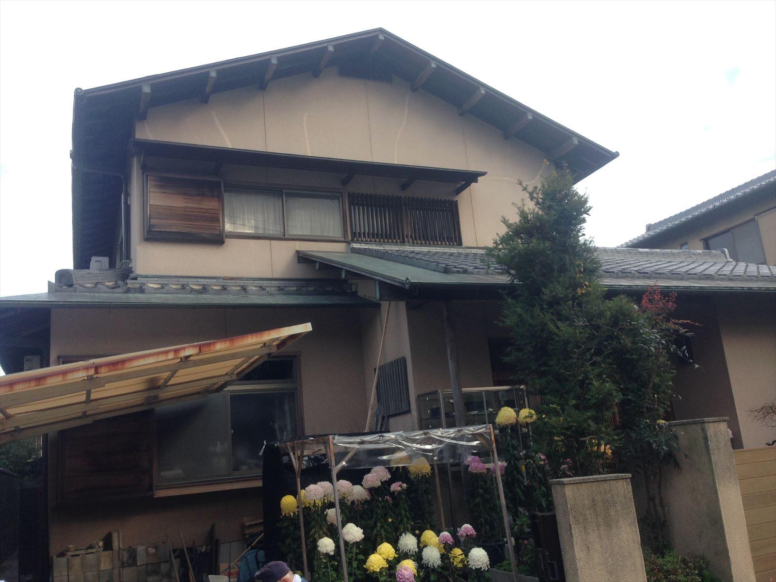 西京区藤井様邸外壁塗り替え工事の施工前写真その1
