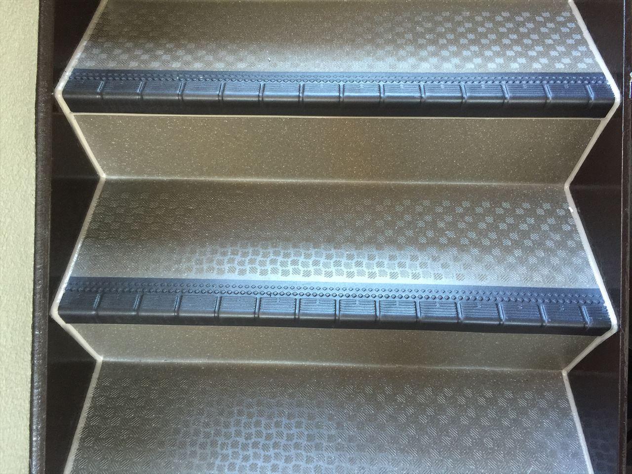 上京区Gマンション様階段シート張替工事の施工後写真その1