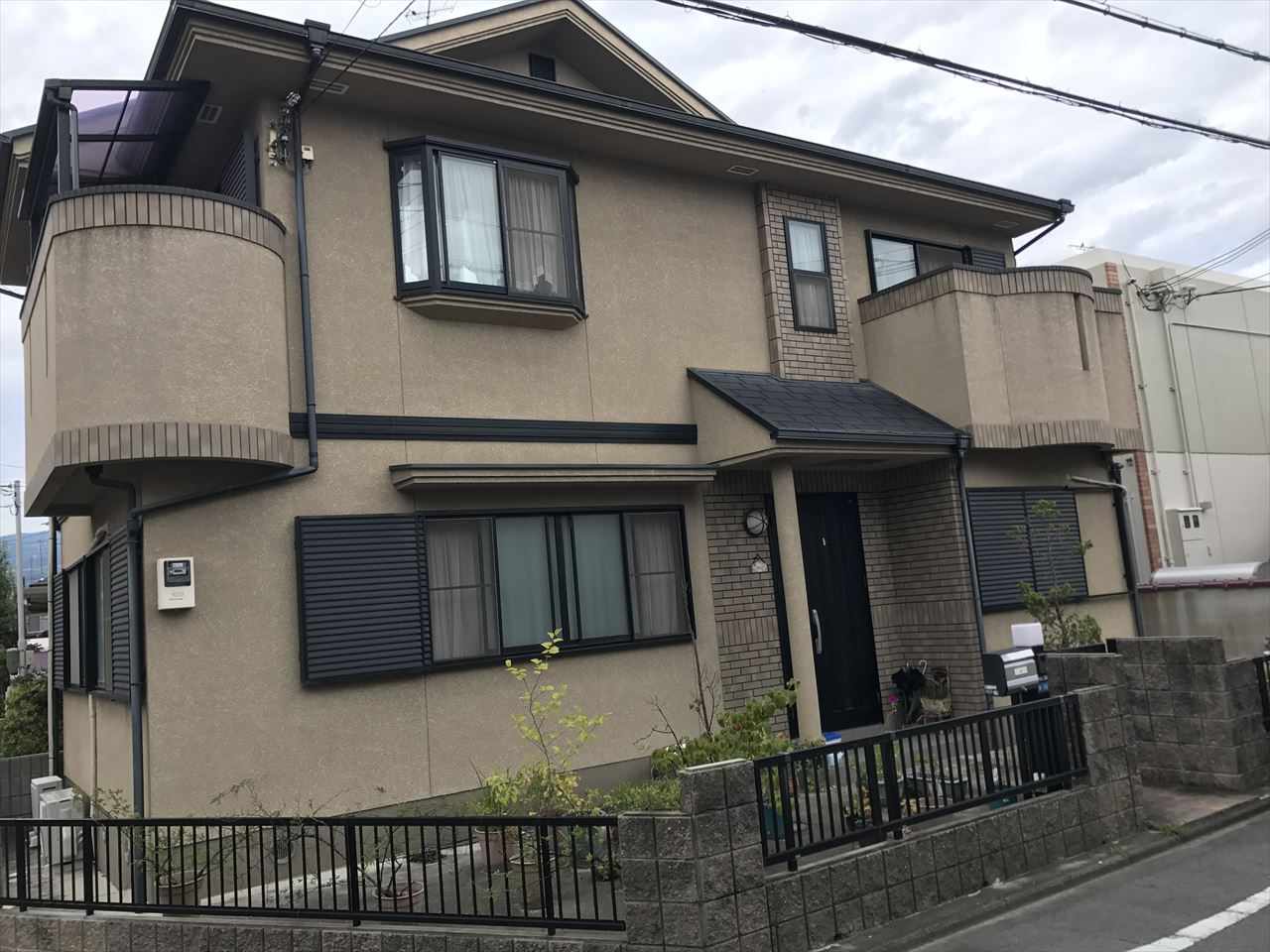 長岡京市辻様邸外壁・屋根塗り替え工事の施工前写真その2