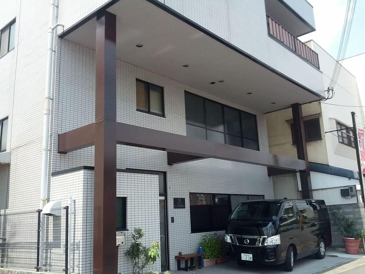 西京区丸二電機様パネル塗り替えの施工後写真その1