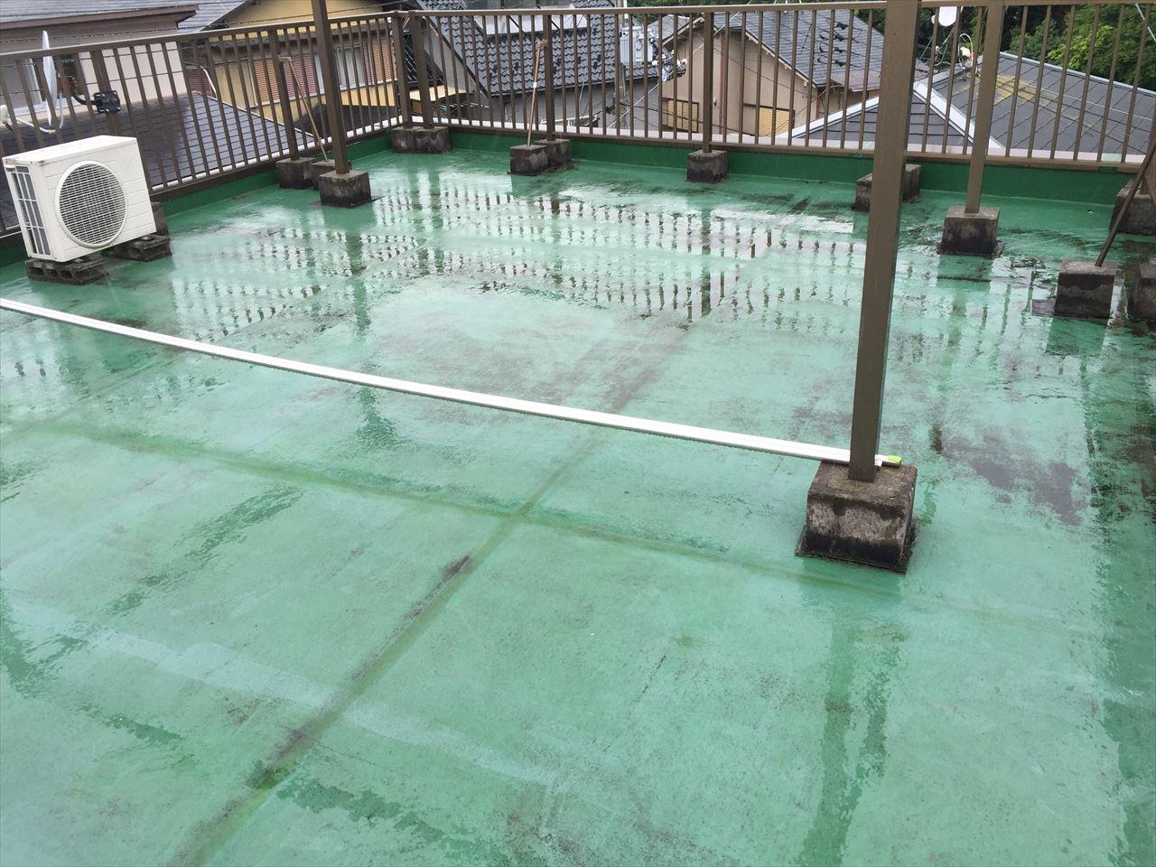 伏見区谷坂様邸屋上防水シート張り替え工事の施工前写真その1